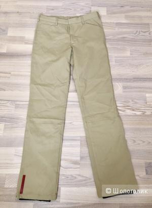 Спортивные брюки Prada, размер М.