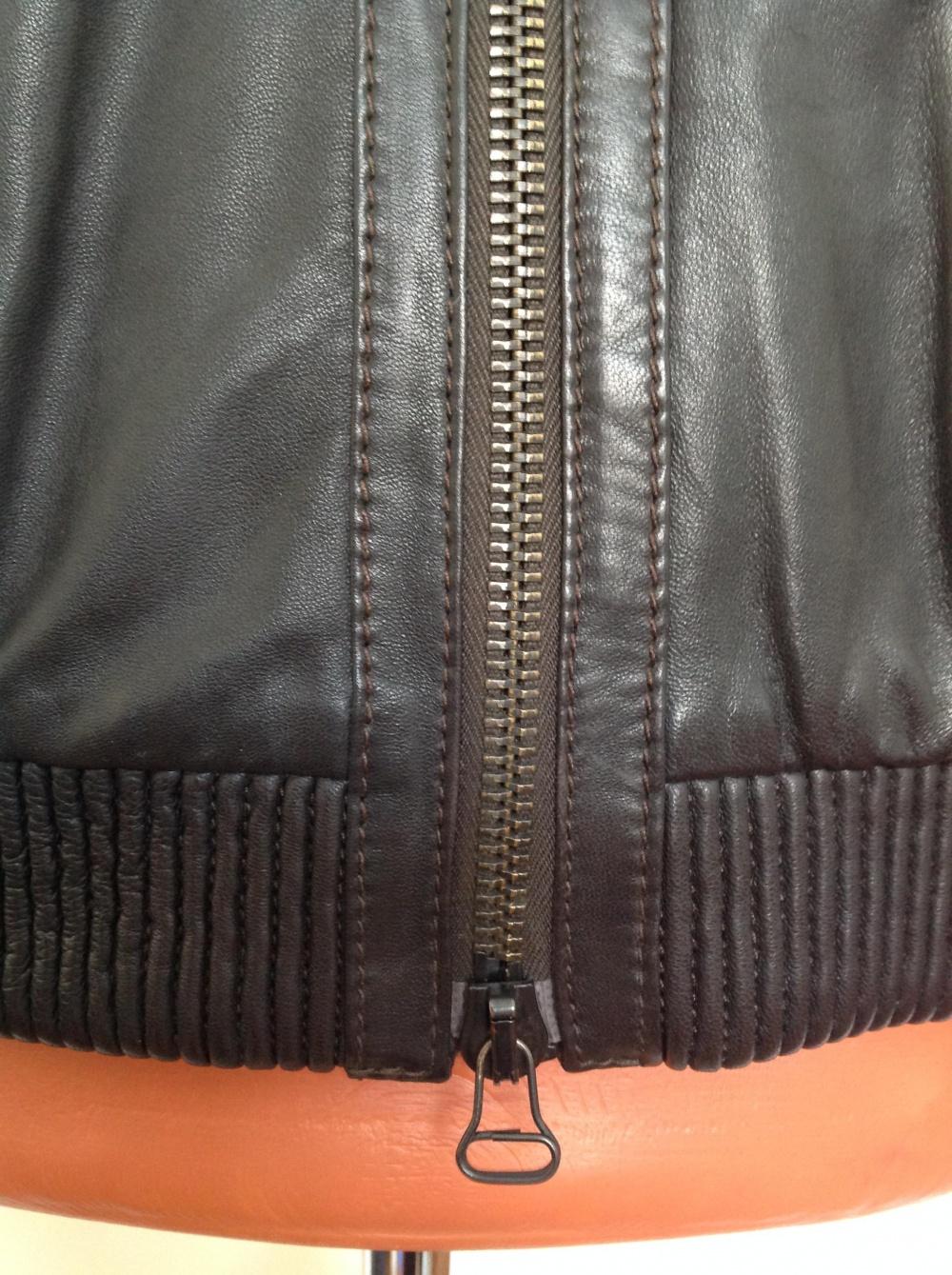 Кожаная куртка бомбер GF Ferre, размер 46IT, на 46-48