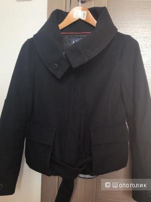 Пальто-куртка   Armani jeans, маркировка 44IT,  на 44-46.
