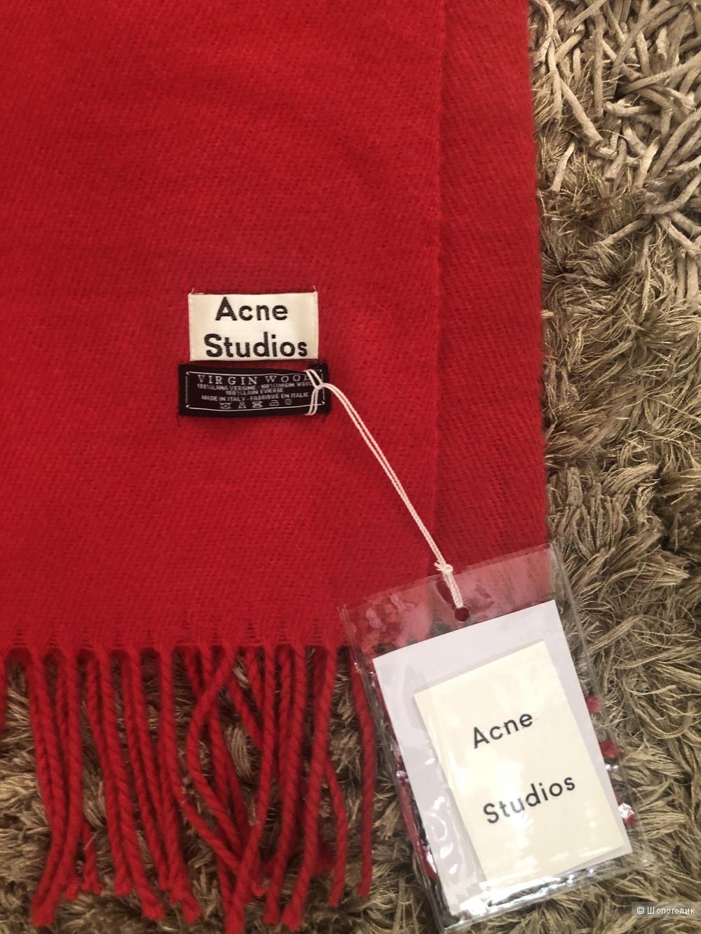 Шарф Acne Studio.