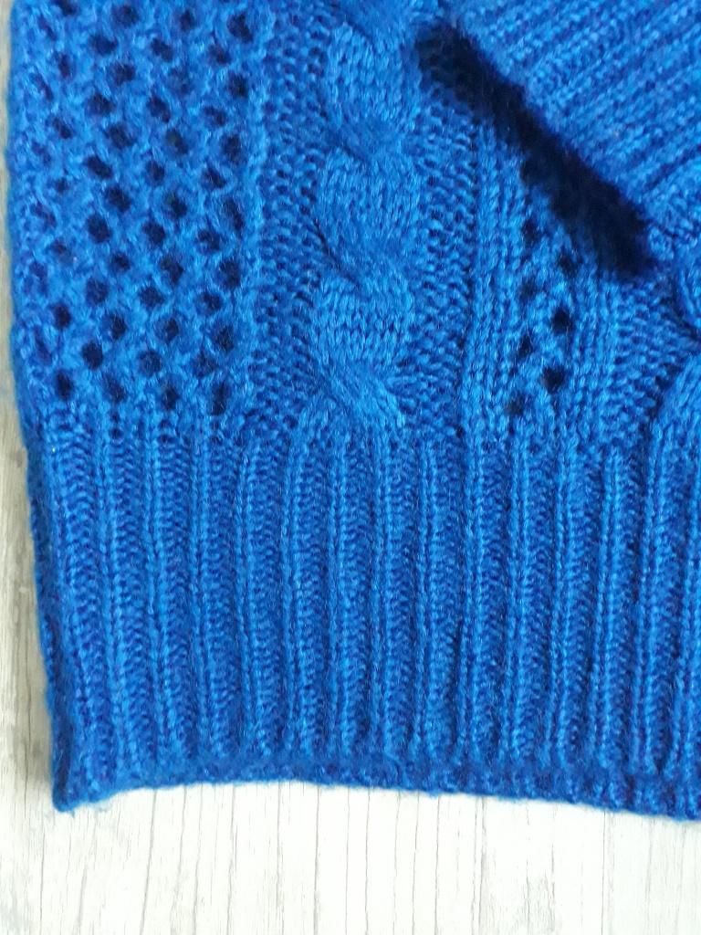 Вязанный свитер 42-44