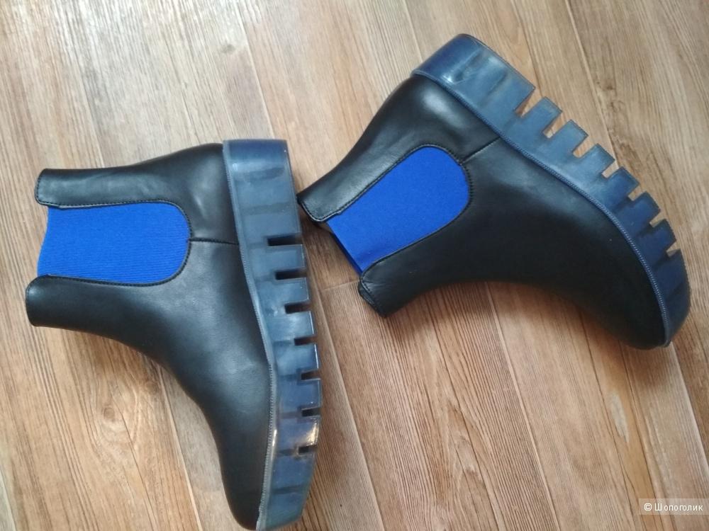 Ботинки Stefania размер 38