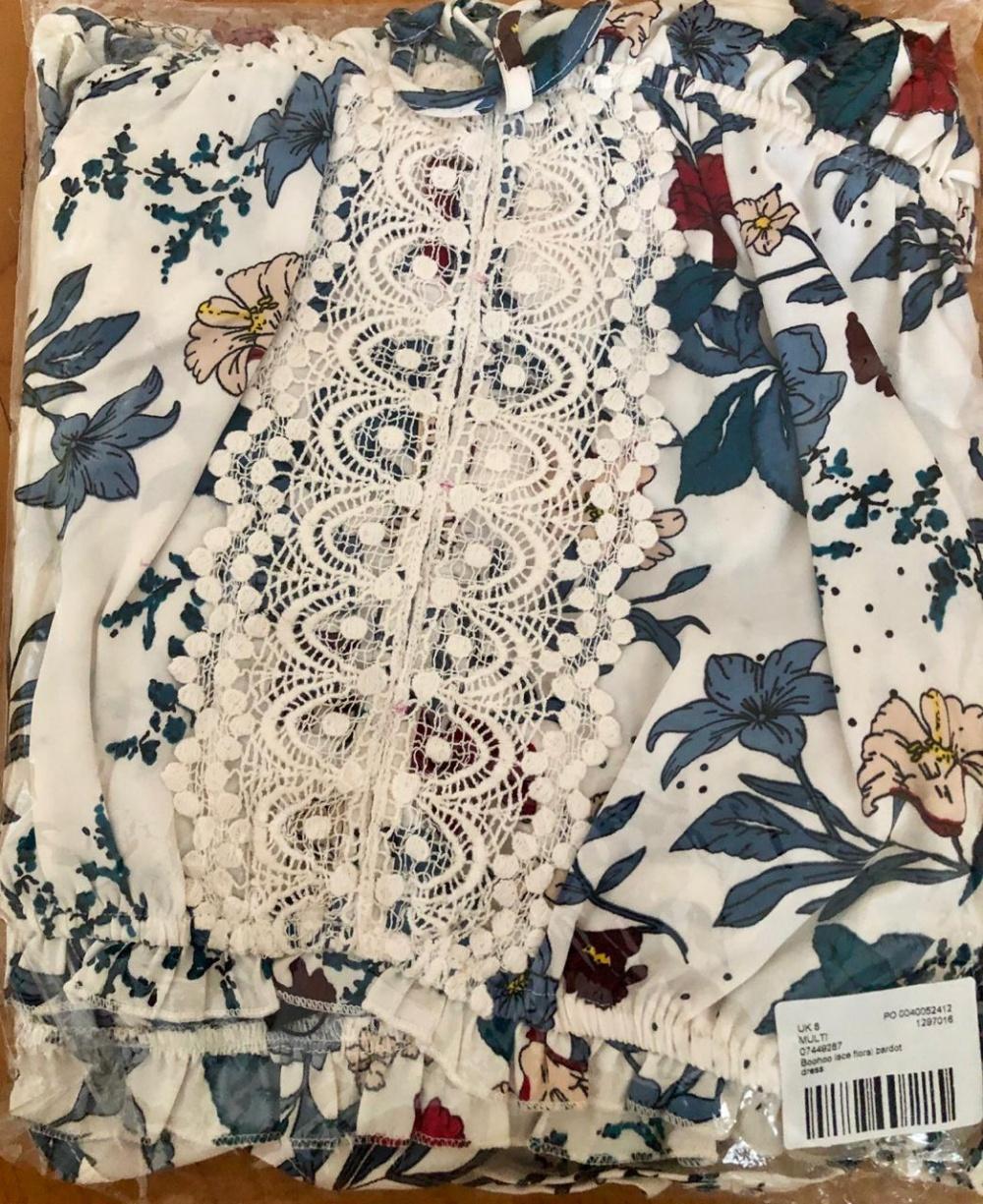 Платье с кружевом Boohoo, UK 8