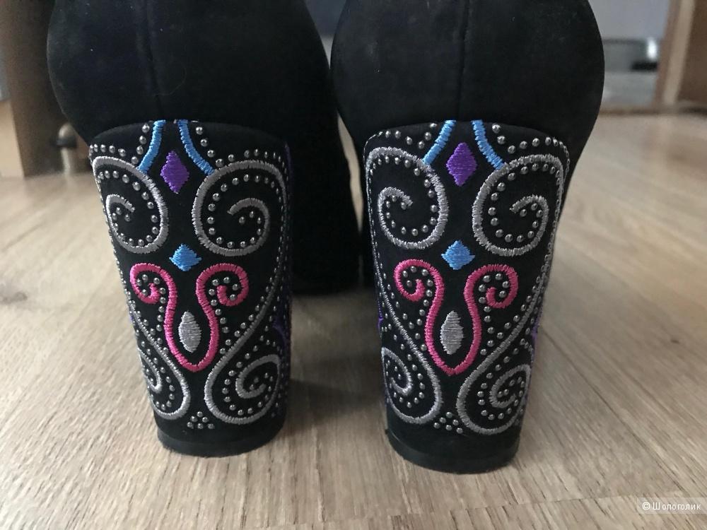 Замшевые туфли Derimod,размер 39