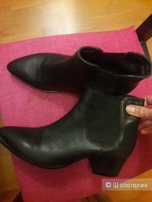 Кожаные ботинки Julie Dee 40 размера