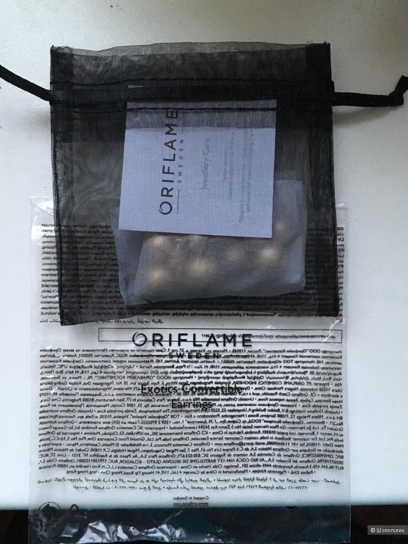 Серьги Oriflame, длина 3,8 см.