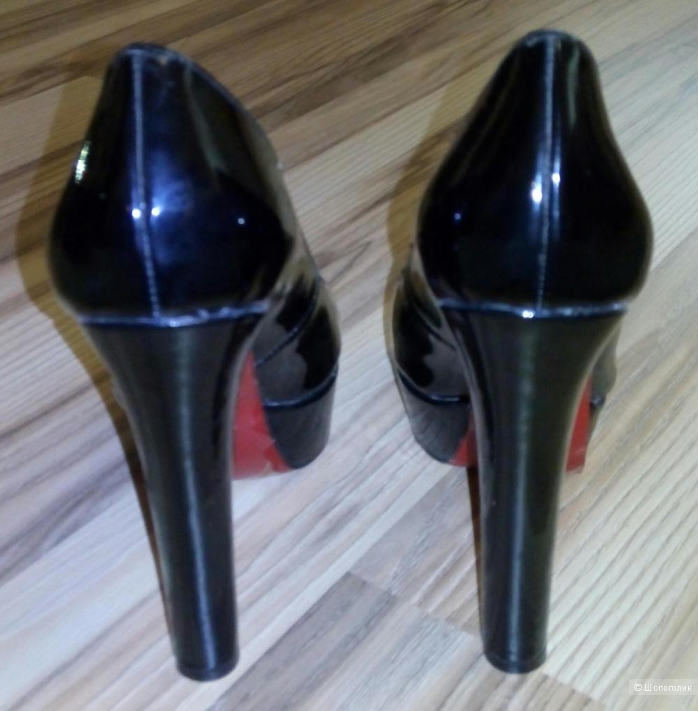 Туфли Christian Louboutin 37 размер