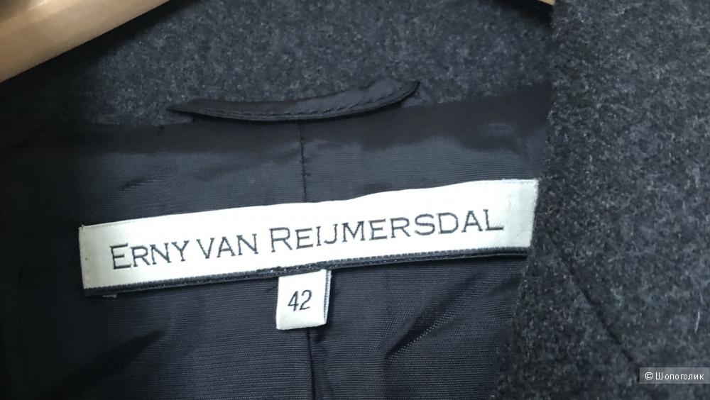 Пиджак  Erny Van Reijmersdal . Размер: 46-48 ( маркировка 42)