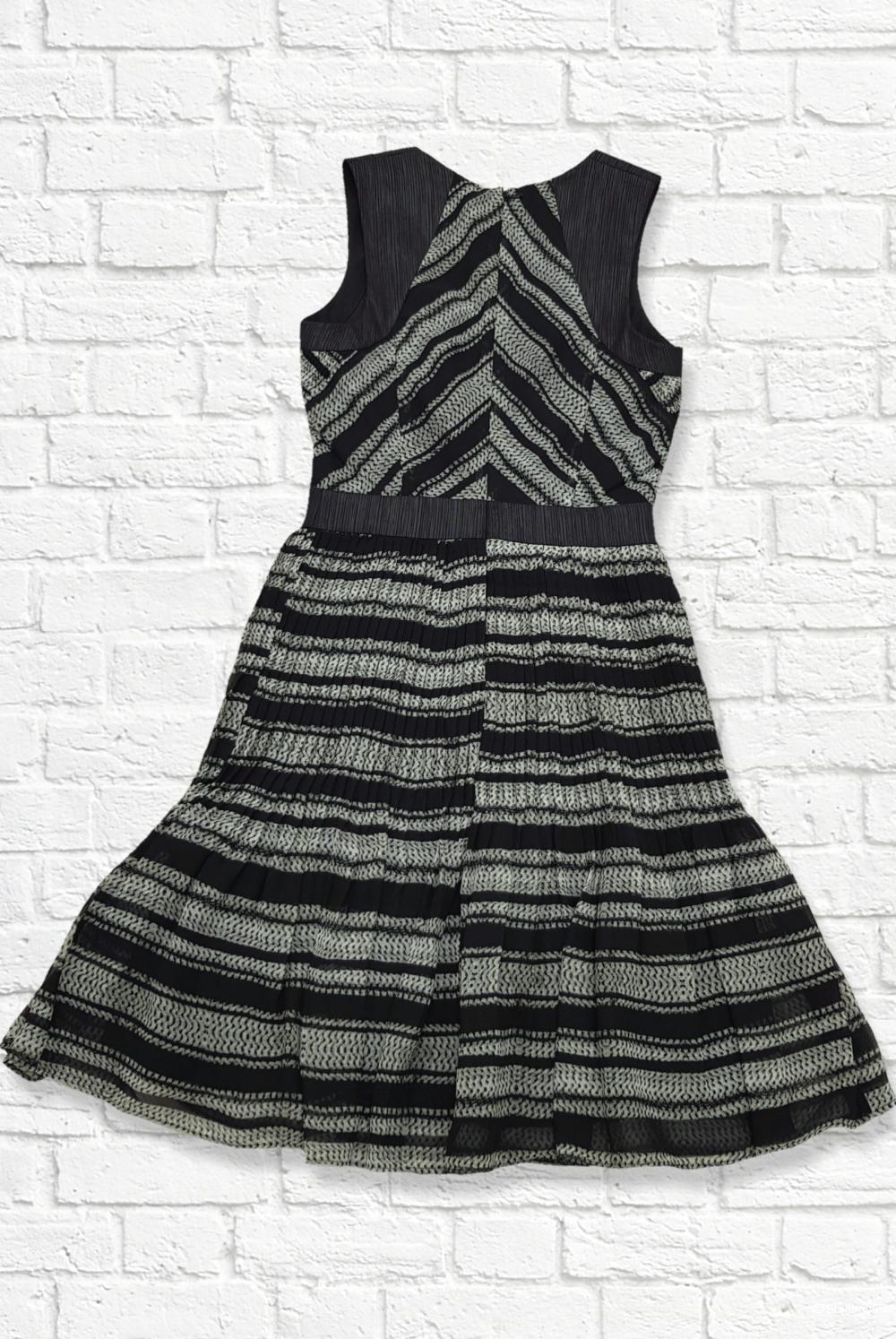 Платье. Armani exchange. 0/42