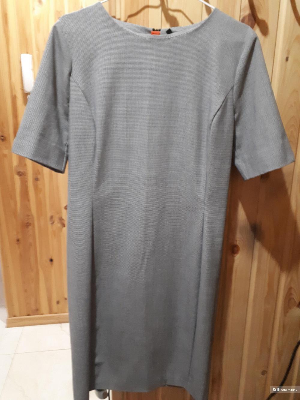Платье фирмы Бенетон. Размер М.