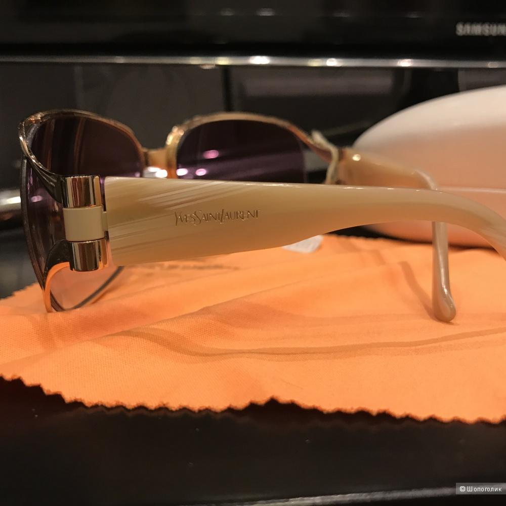 Солнцезащитные очки YSL
