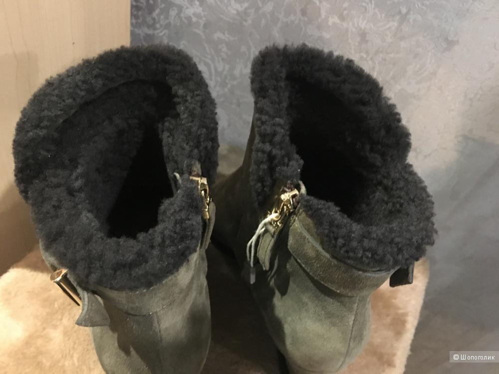 Зимние ботильоны FENDI, размер 38.5