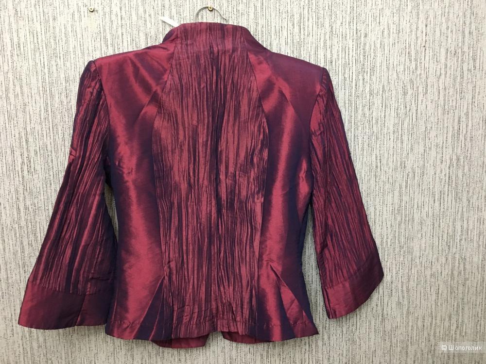 Костюм пиджак и юбка из тафты 42 S белорусский трикотаж