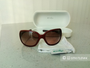 Солнцезащитные очки OAKLEY