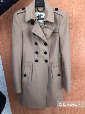Пальто Burberry. Размер 4US.(XS).