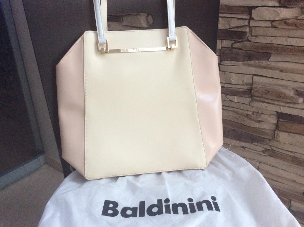 Сумка Baldinini размер M