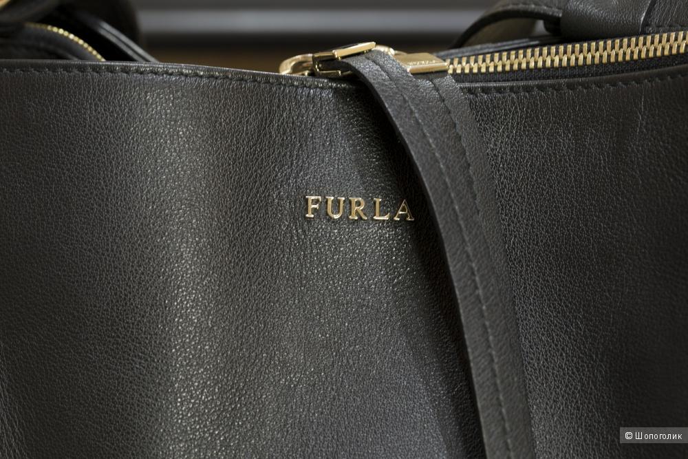 Сумка-хобо женская Furla Twiggy, medium.