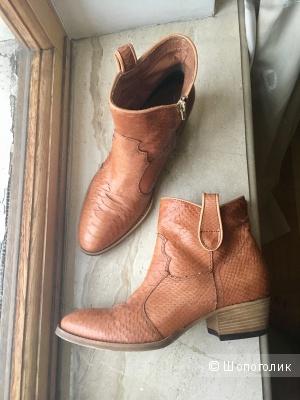 Кожаные ботинки казаки YKX &Co, 38 размер