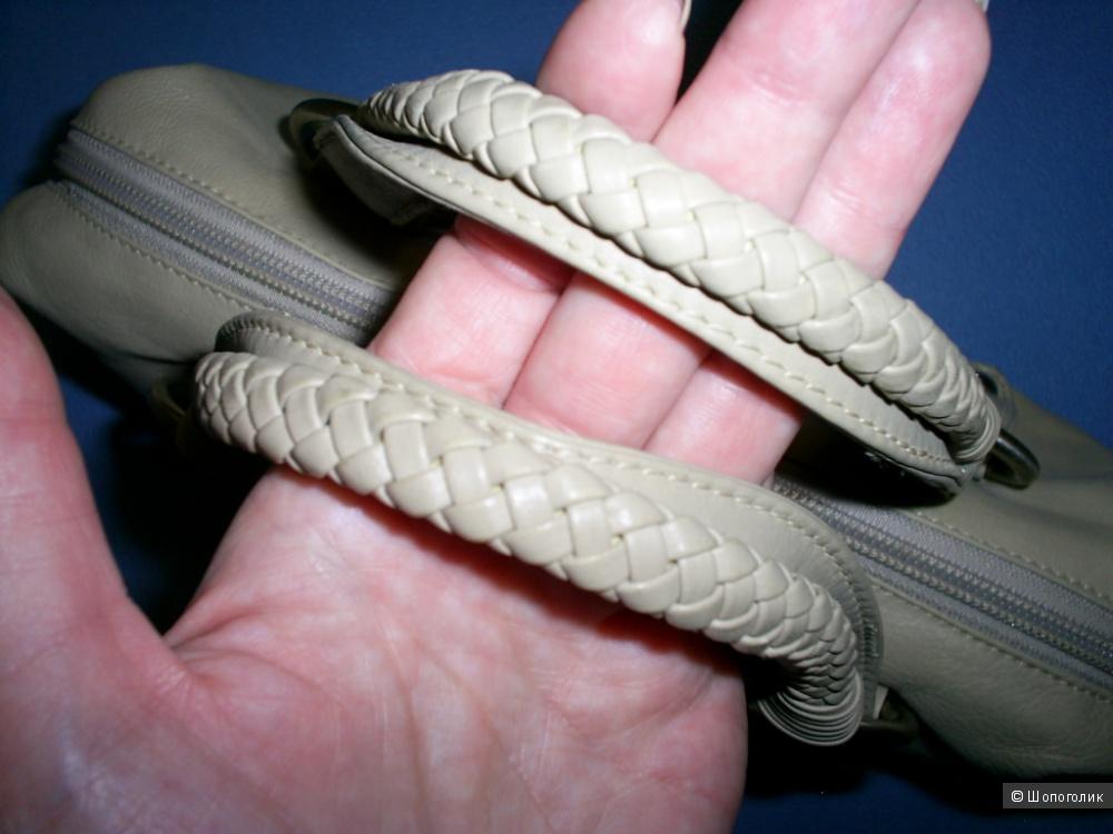 Сумка от Tula 30-19-8,5 см.
