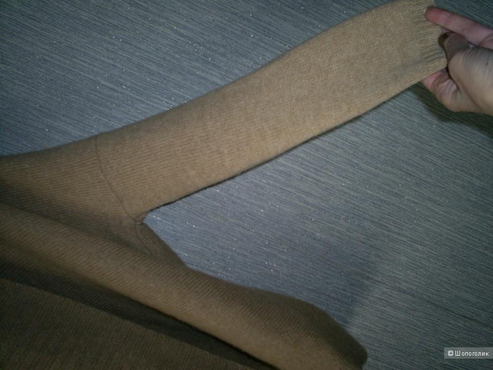 Кардиган-накидка от Massimo Dutti oversize.