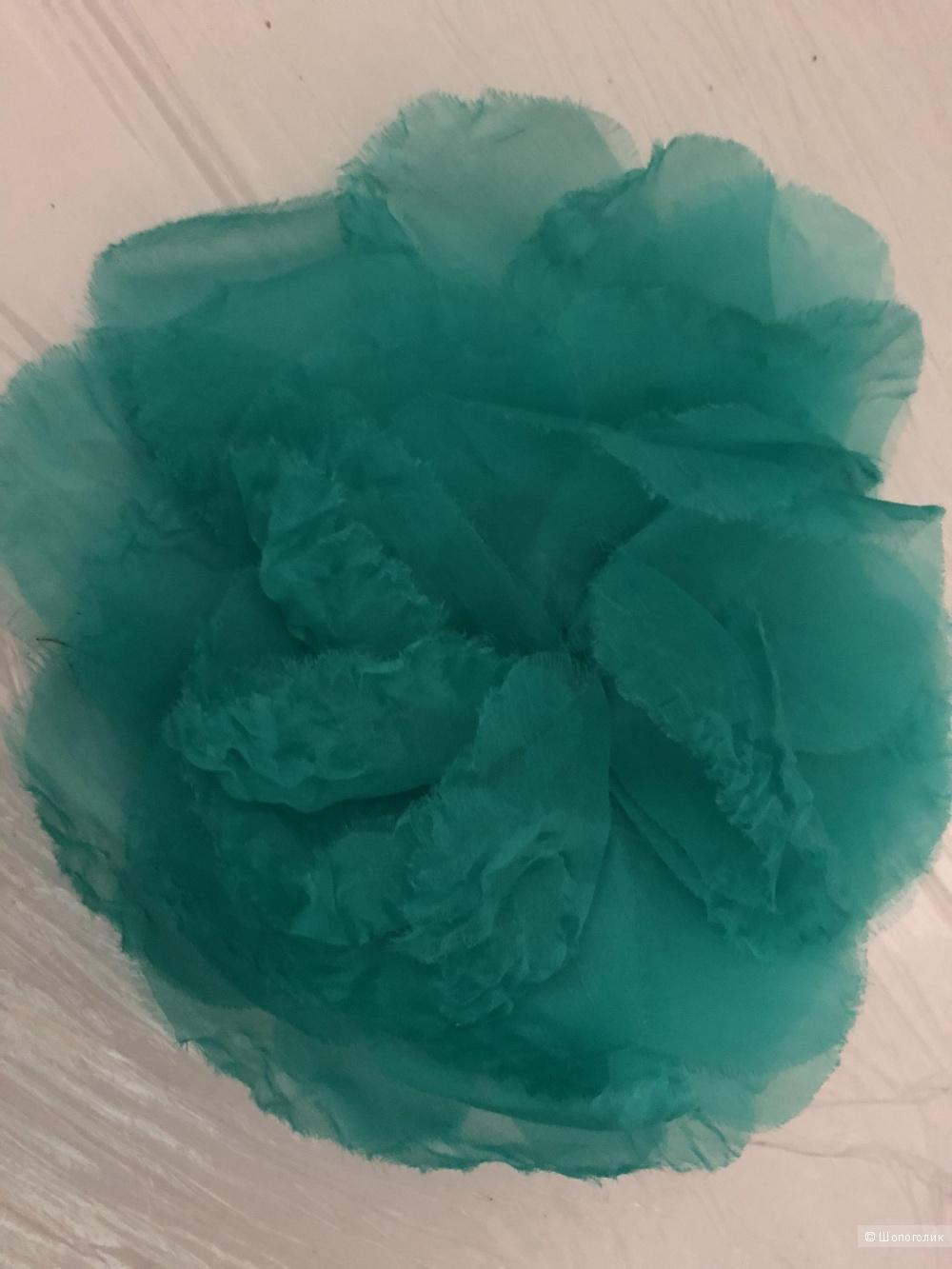 Шелковая брошь-цветок,  MaxMara