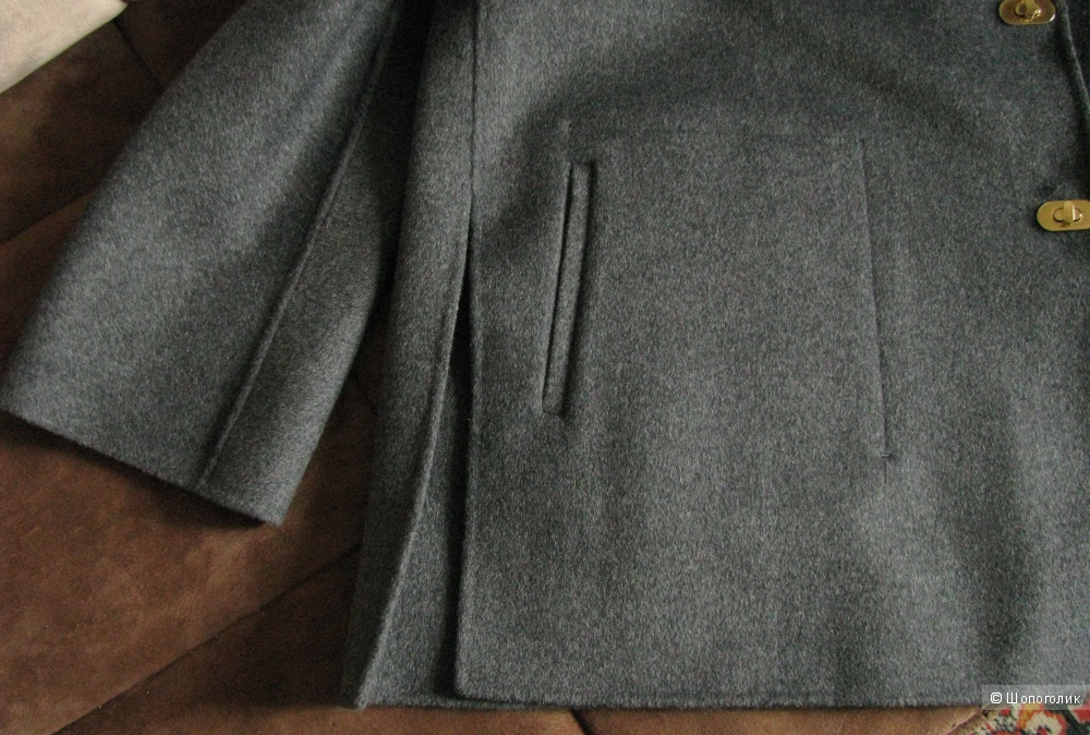 Полупальто  Adolfo Dominguez, на 48 размер (L)