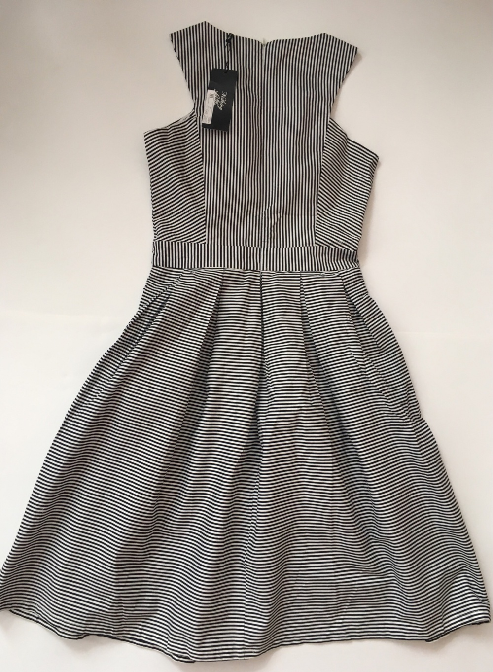 Платье Nothing But Love, размер 42-44