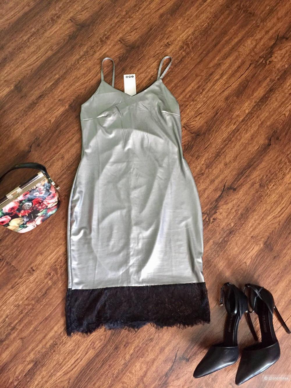 Платье фирмы bohoo 42 размера.