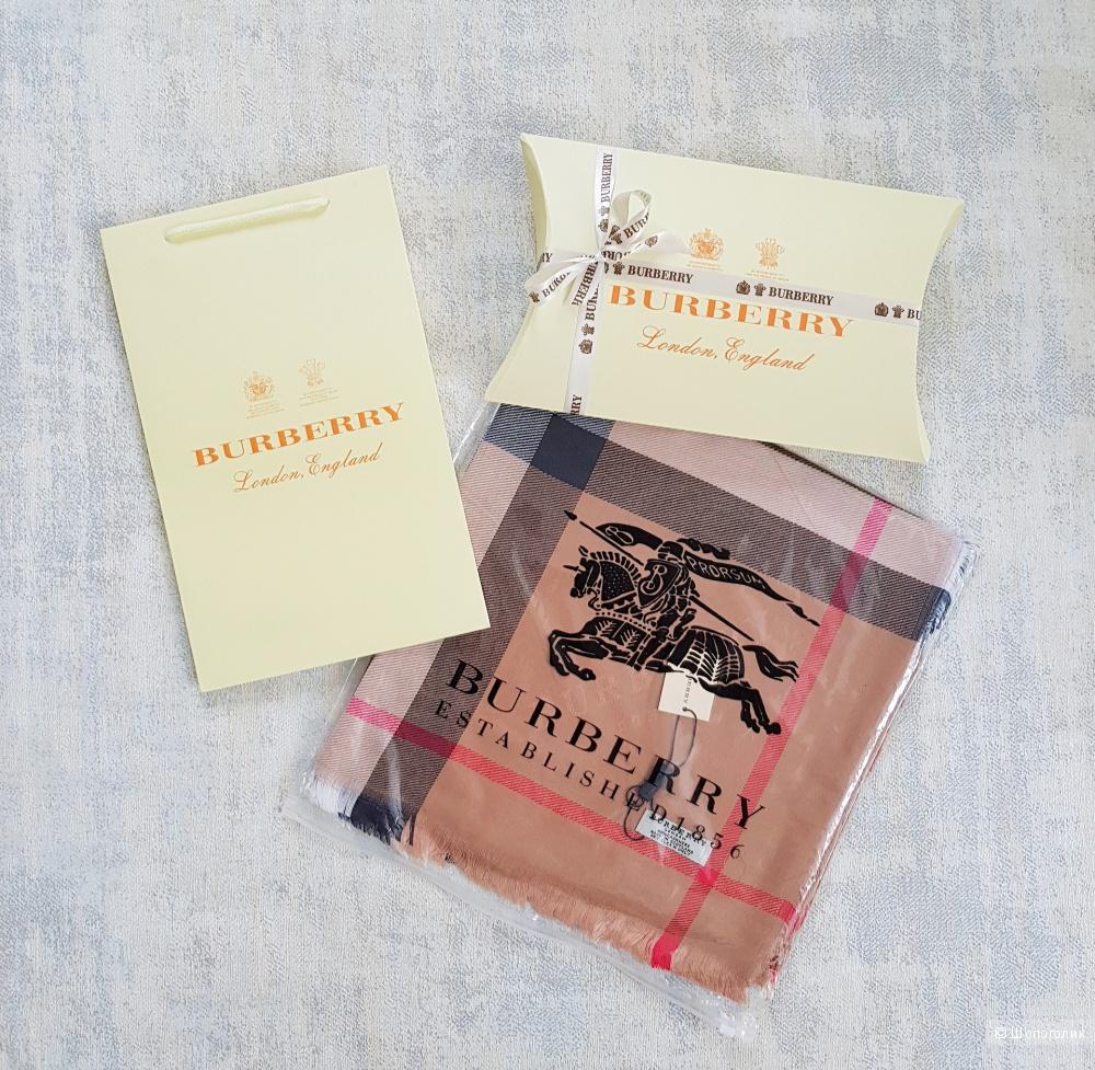 Платок палантин Burberry 140x140 см