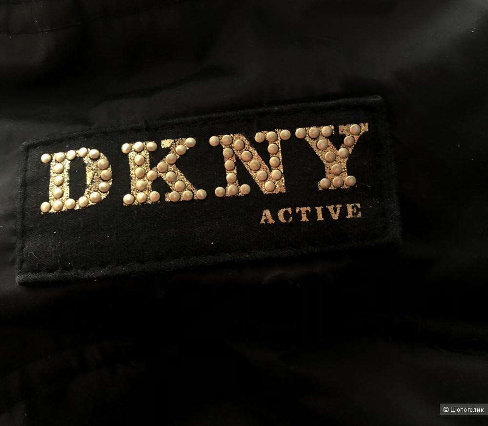 Пуховик-бомбер DKNY, размер S.