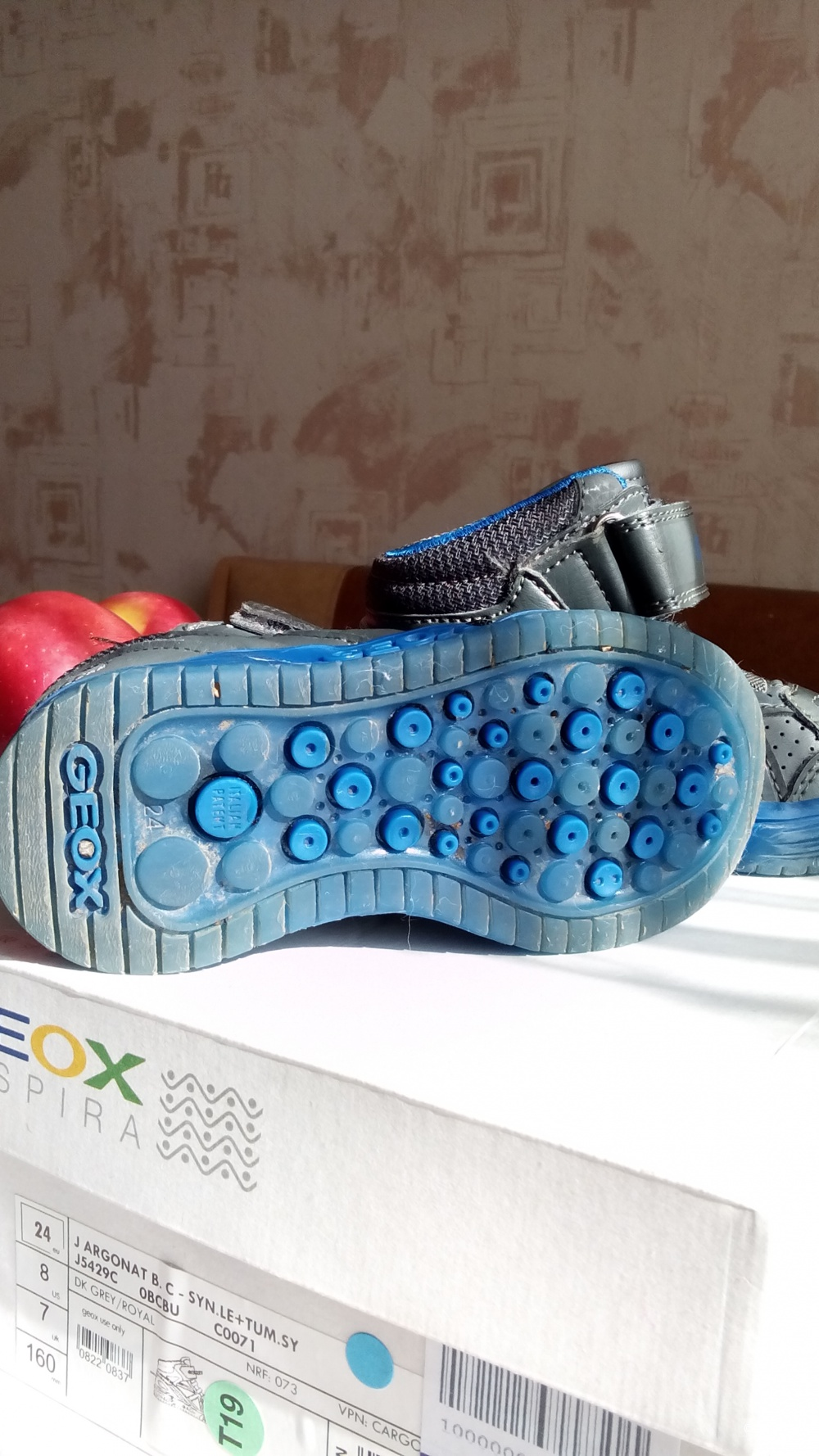 Высокие кеды, кроссовки Geox для мальчика, размер 24