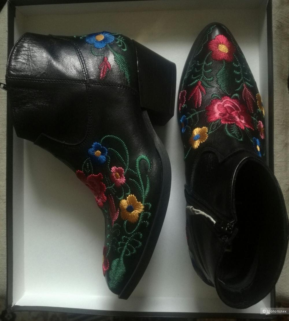 Ботинки-казаки JIU·JO р.37