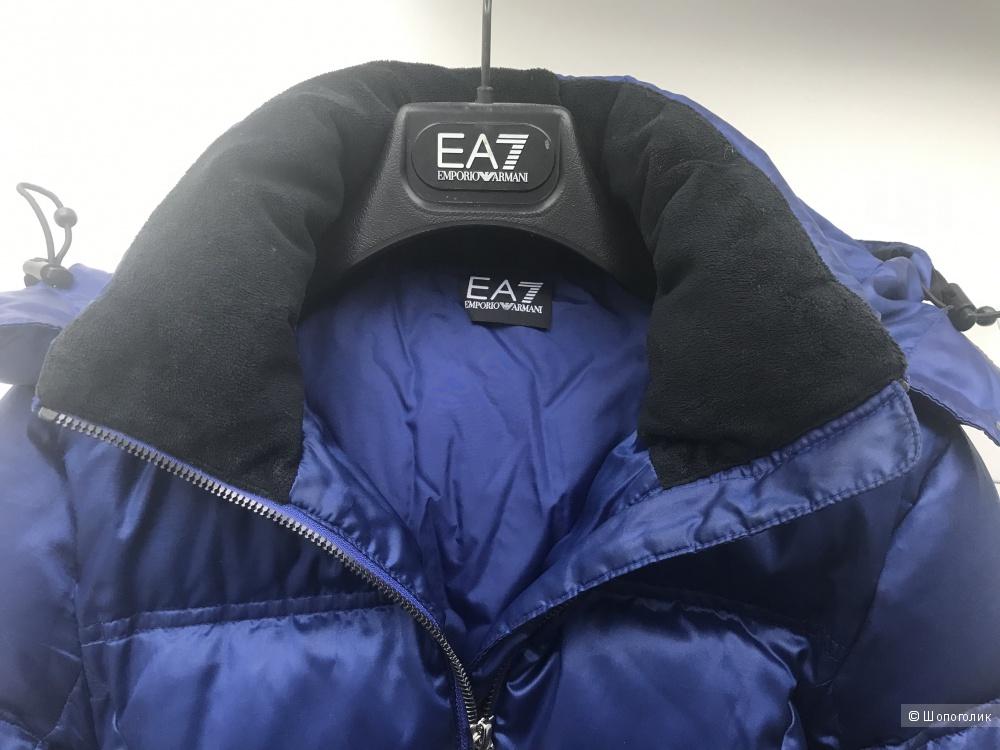 Пуховик Emporio Armani EA7, размер XS (40)