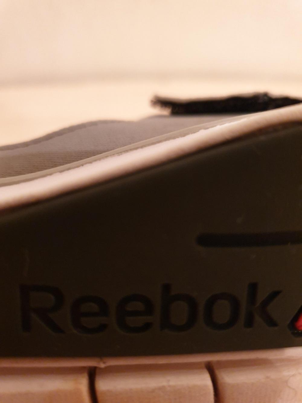 Кроссовки ф-ма Reebok 42 размера