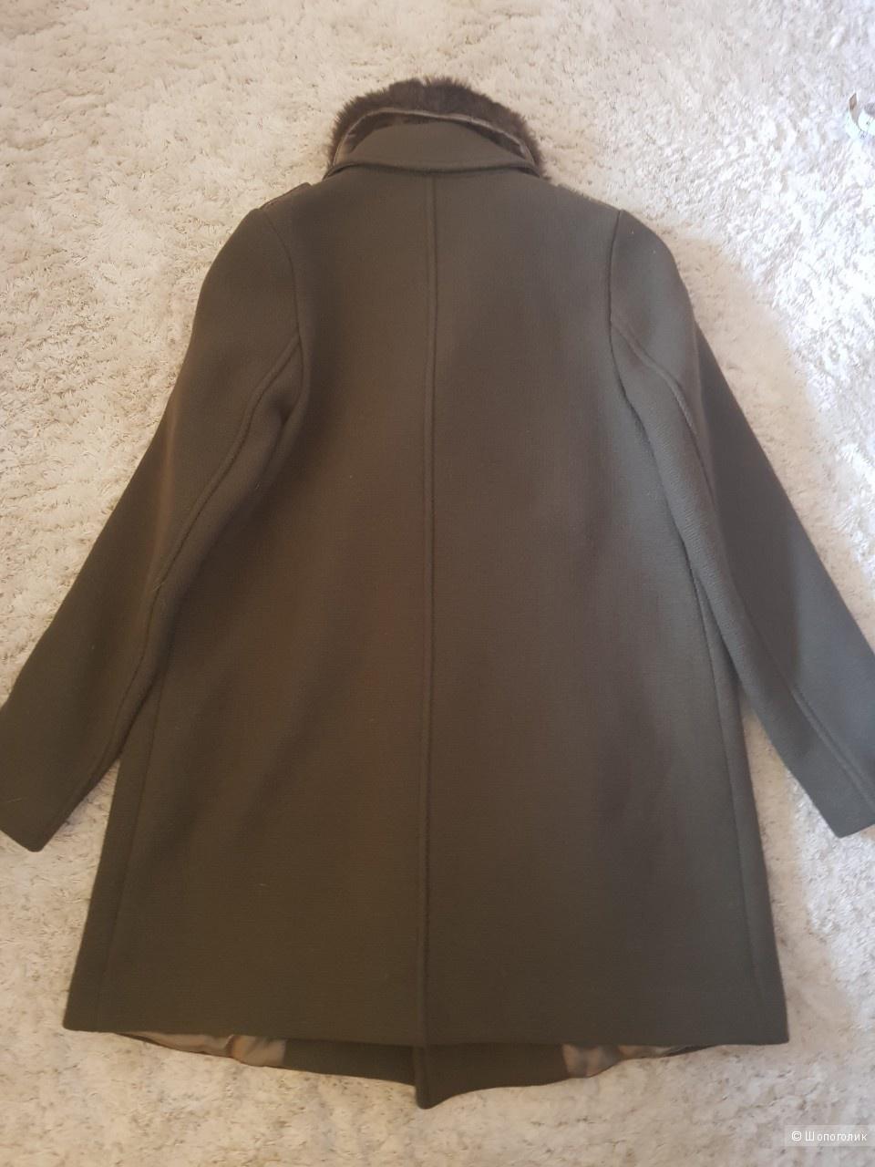Пальто фирмы Zara, 152 см
