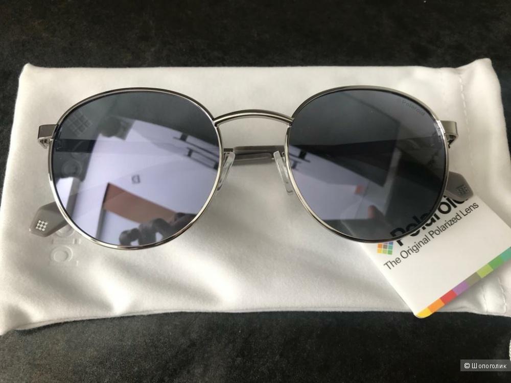 Очки солнцезащитные Polaroid.