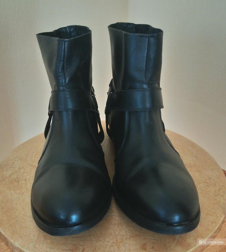 Ботинки Reserved, р-р 39