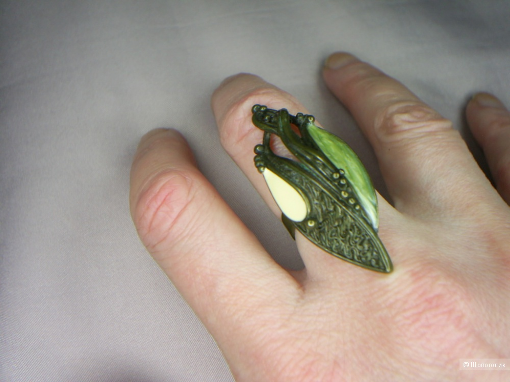 Комплект кольцо и серьги Gillian.