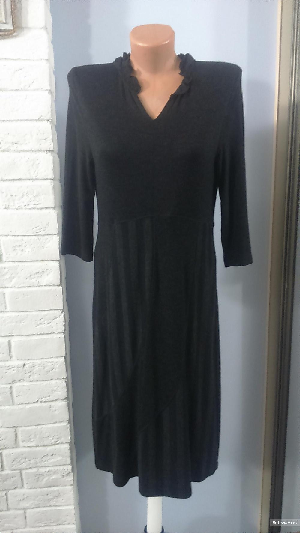 Платье размер M.