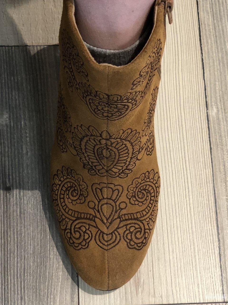 Ботинки замшевые Bocage, размер 38