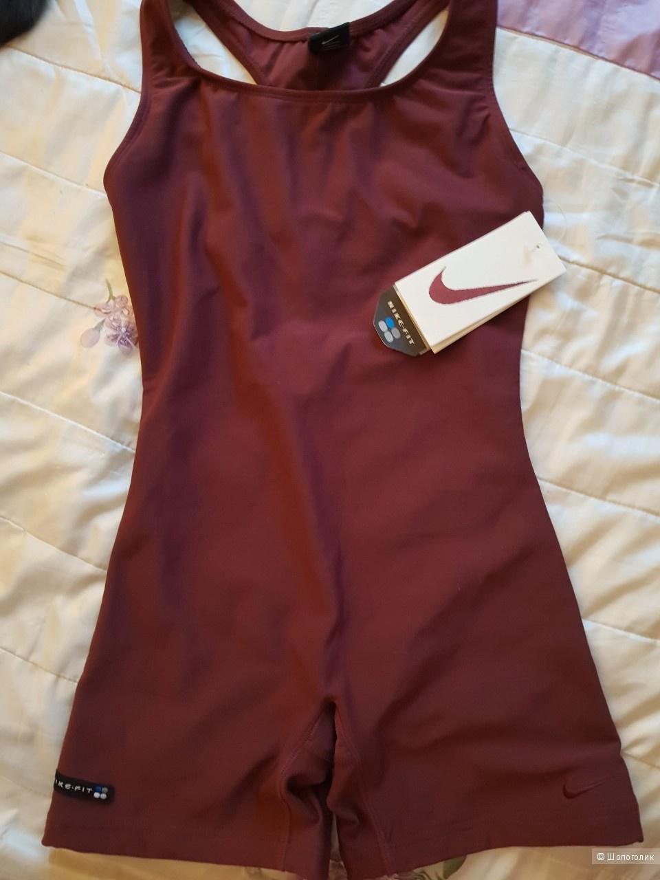 Спортивный костюм Nike,размер L