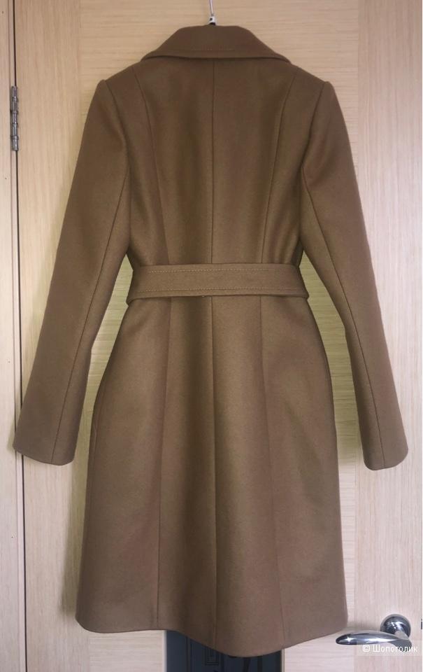 Демисезонное пальто Dekka 40 р.