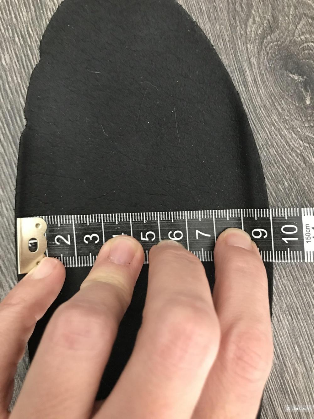 Кроссовки  RAS размер 40 eur