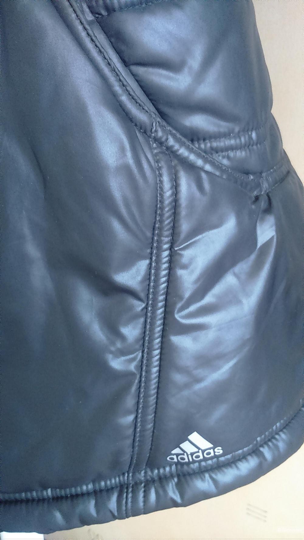Куртка ADIDAS размер 44.