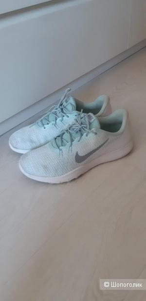 Кроссовки Nike 40р