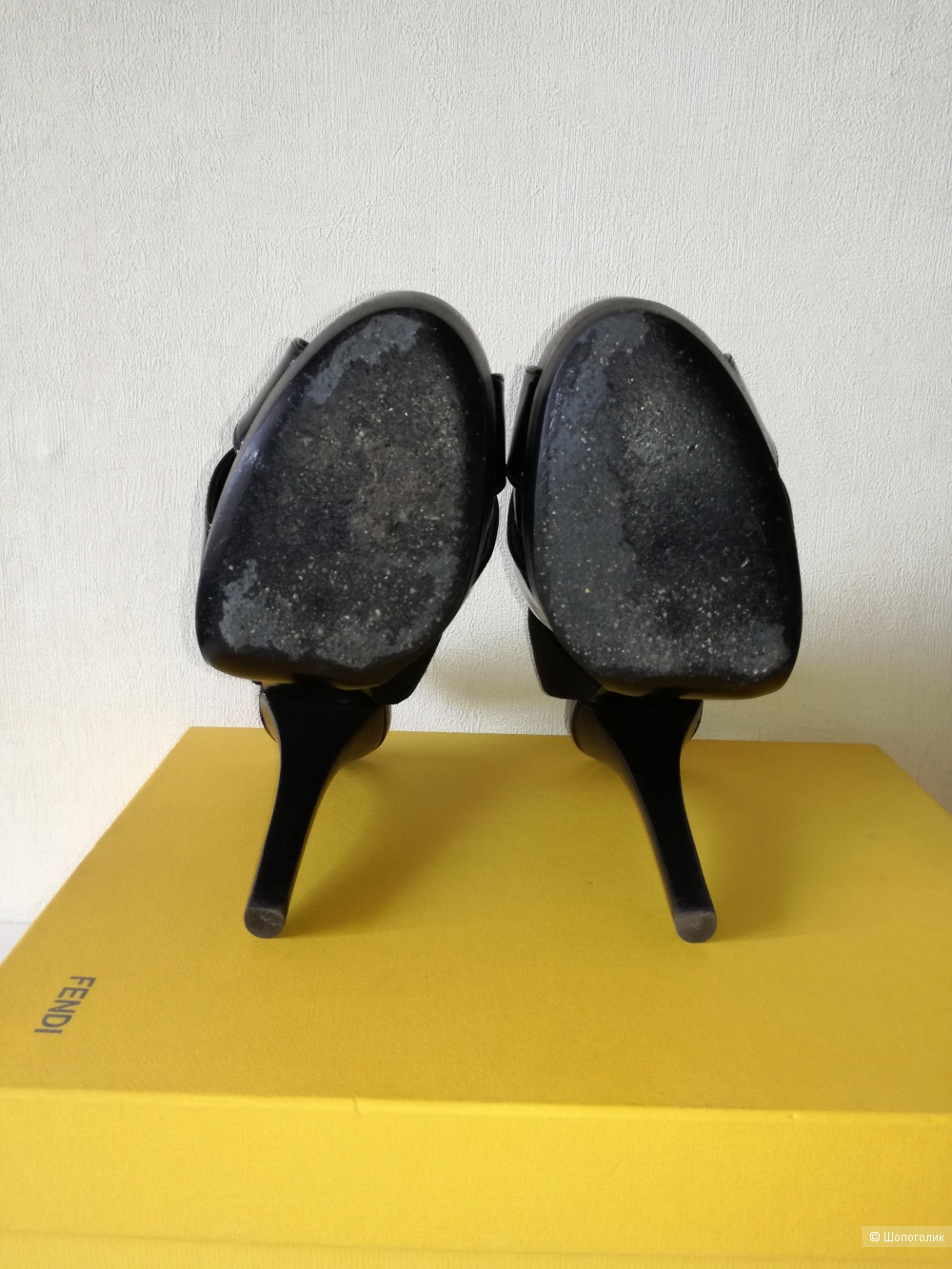 Босоножки Fendi 37 размер