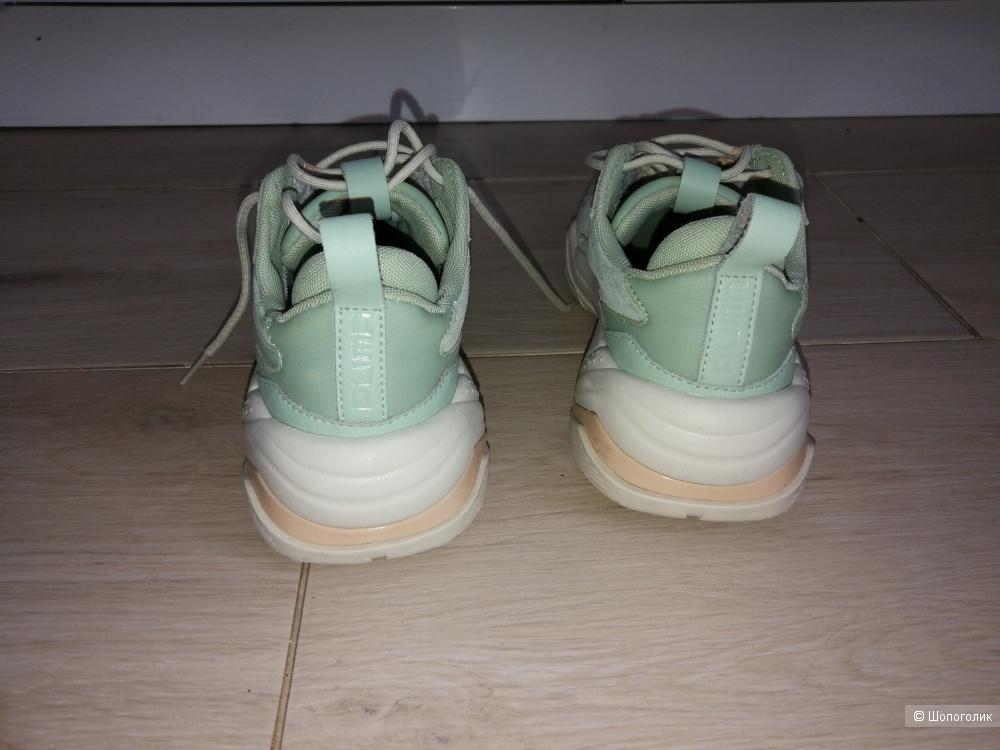 Зеленые кроссовки Puma Thunder Desert 39