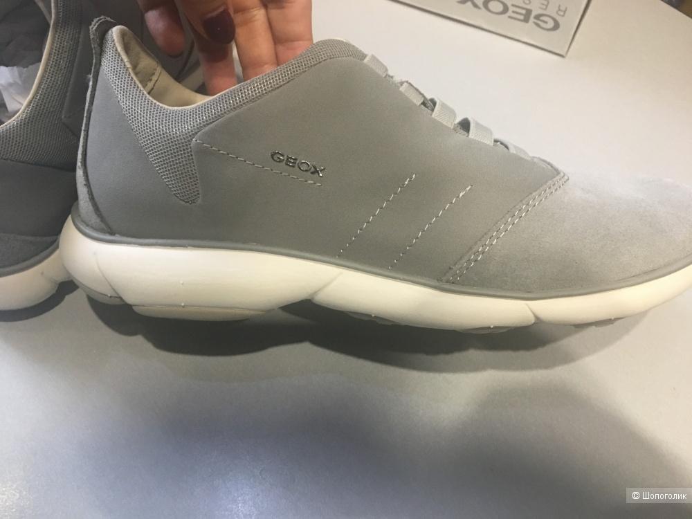 Кроссовки GEOX, размер 39. По стельке 26 см