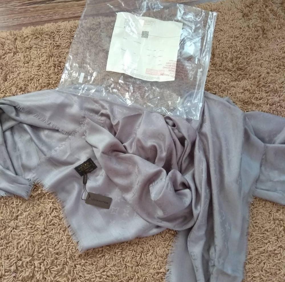 Шаль Louis Vuitton   размер 140 см
