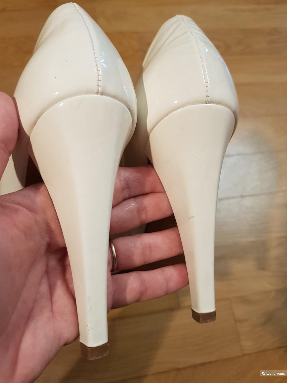 Лаковые туфли Loriblu, рр 37